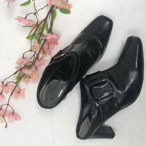 Etienne Aigner Valve Black Leather Mules Heels 6.5